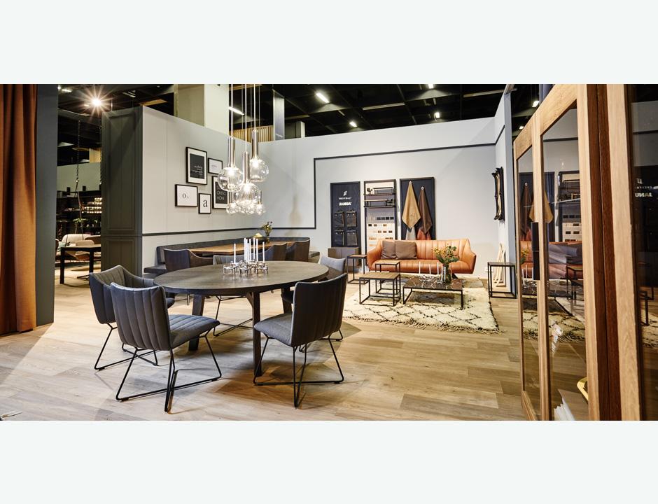 janua und freifrau auf der imm k ln 2018. Black Bedroom Furniture Sets. Home Design Ideas
