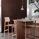 Muuto_Loft-bar-stool-dusty-rose-black-E27-terracotta-Corky-closer-org