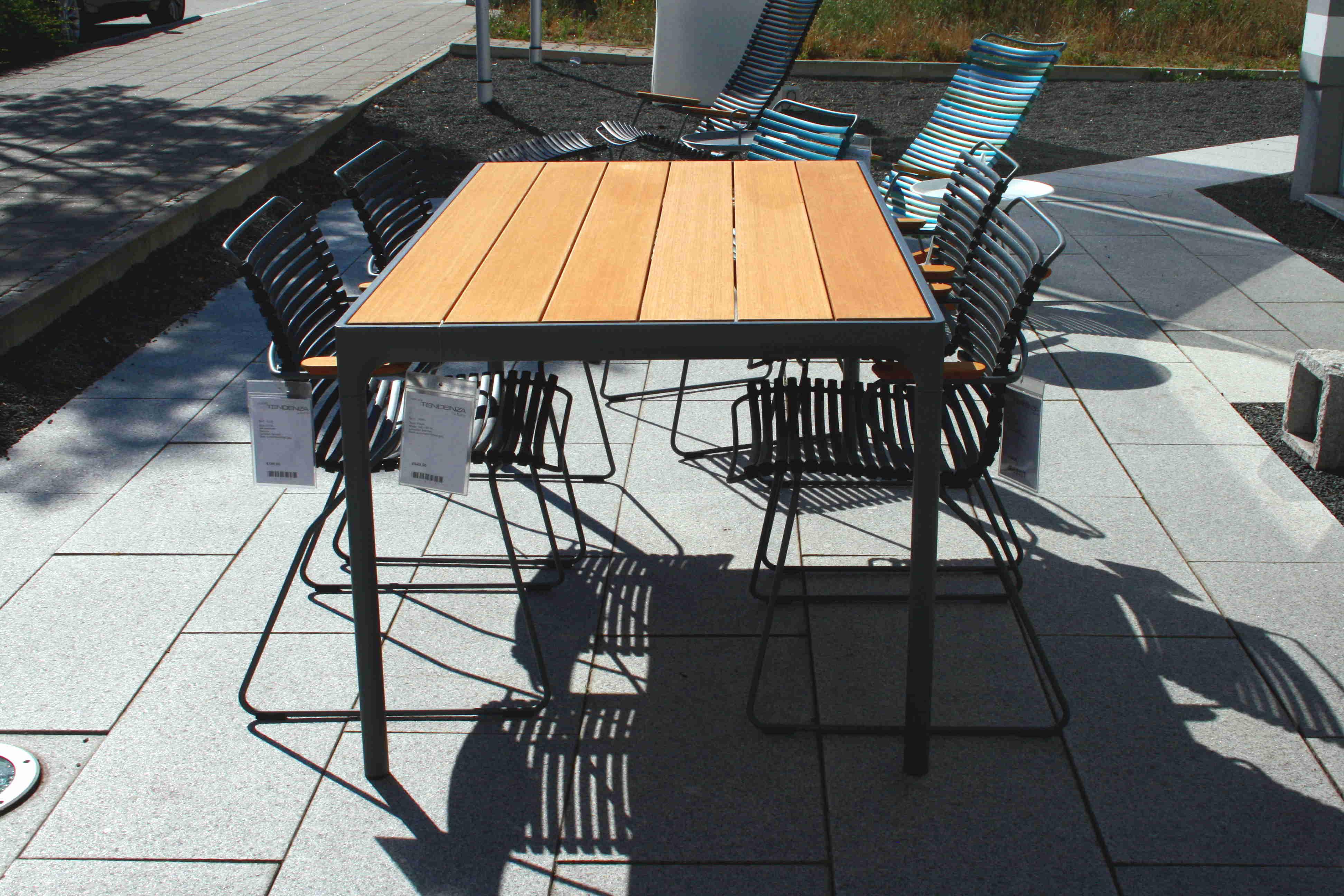 6145 Houe Tisch Four Stuhl Click 01