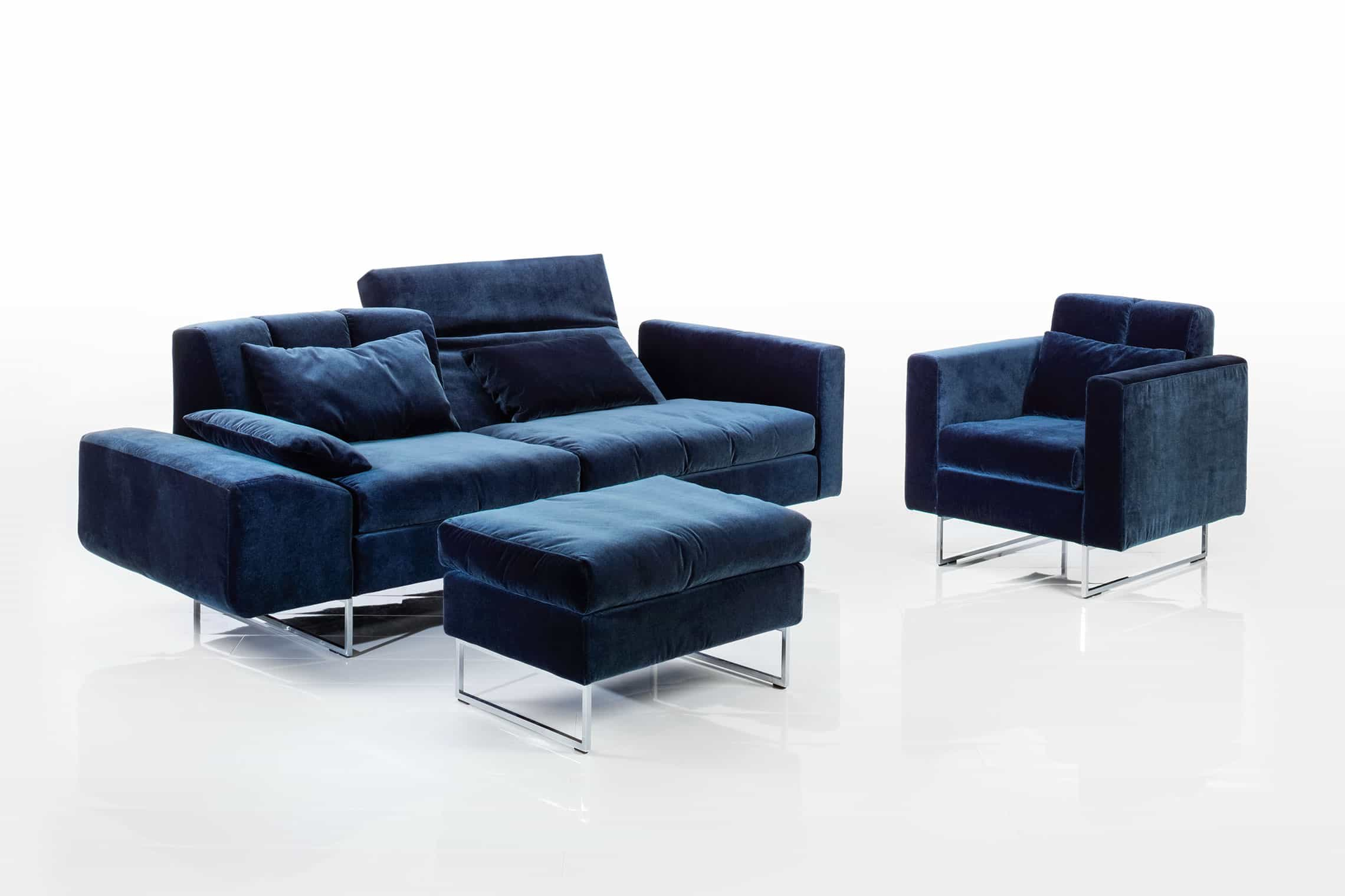 neu bei uns in f rth sofa embrace von br hl. Black Bedroom Furniture Sets. Home Design Ideas