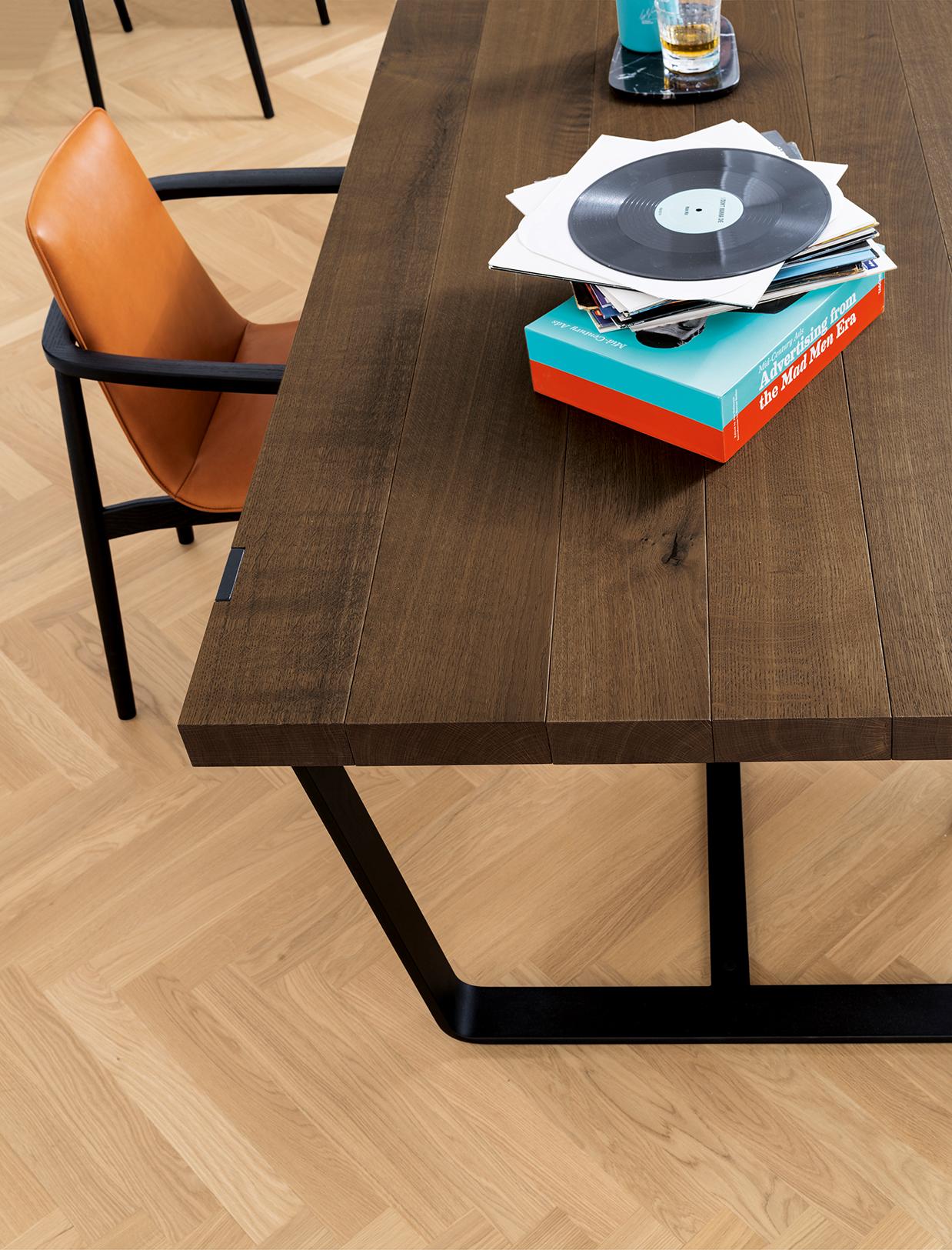 janua erstklassige m bel aus nat rlichen materialien. Black Bedroom Furniture Sets. Home Design Ideas