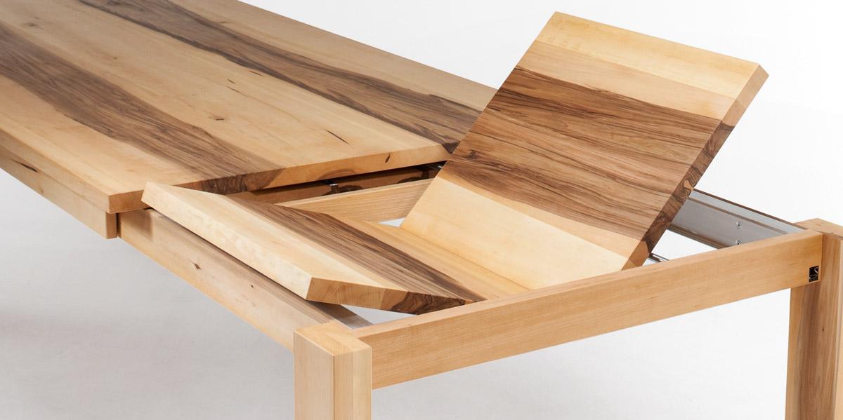 besondere stollen aus massivholz an tischen