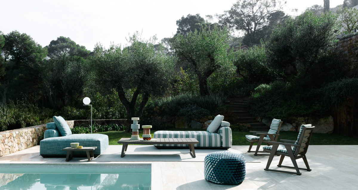 OUTDOOR Sofa HYBRID, Couchtisch GIO, Sessel GIO Der Firma B&B ITALIA