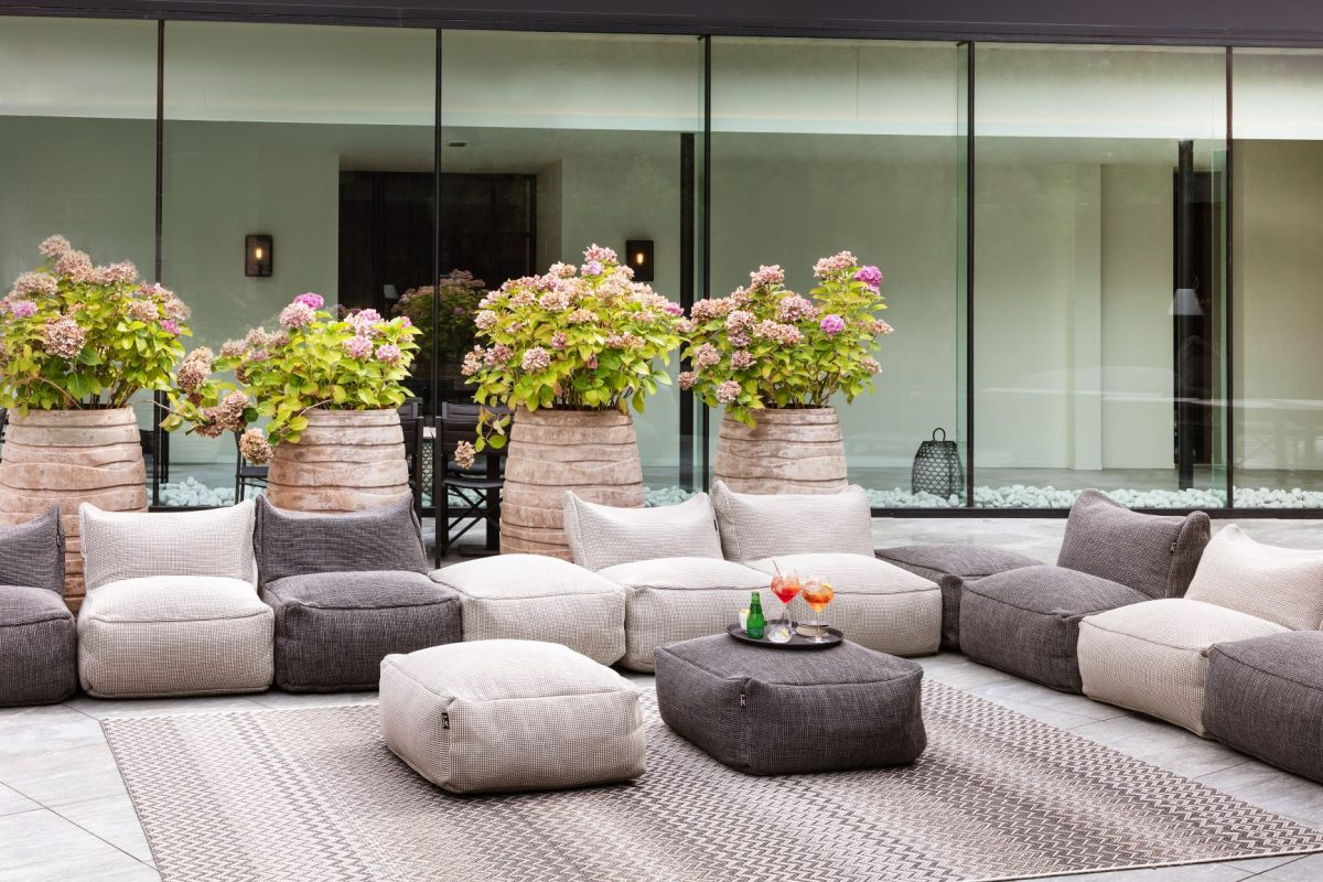 Indoor/Outdoor-Teppiche und Sitzpuffs Der Firma Roolf-Living HANTON