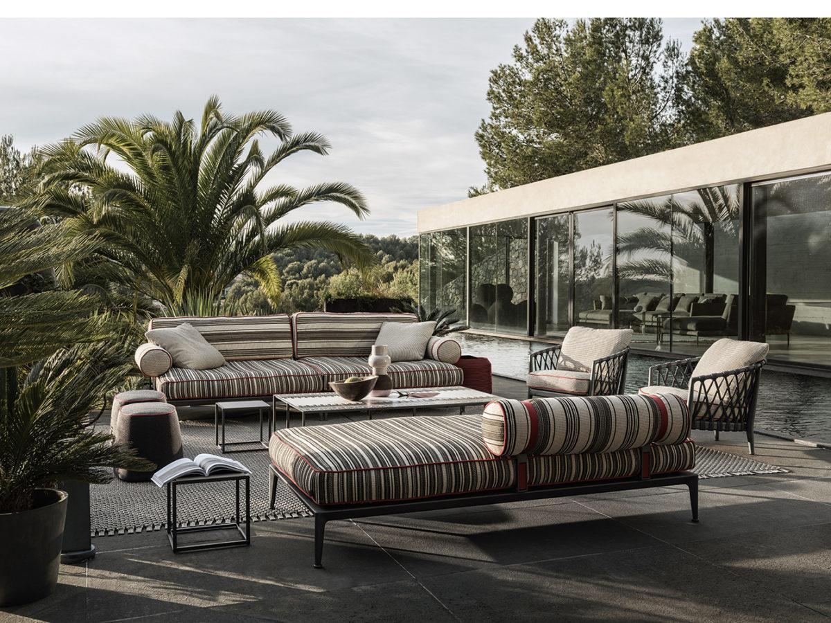 Outdoor-Sofa RIBES, Outdoor-  Sessel ERICA , Couchtisch CANASTA Der Firma B&B ITALIA