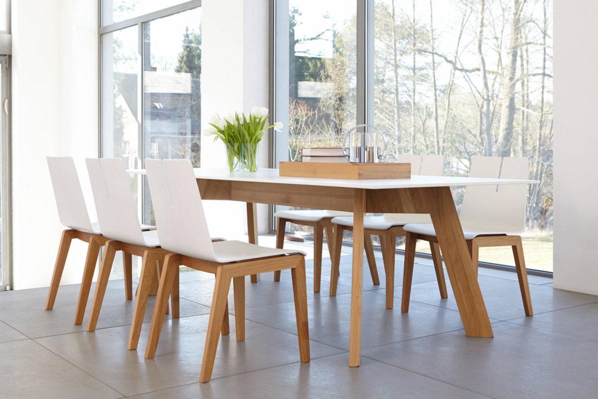 Y - WOMAN Tisch Der Firma Conmoto home