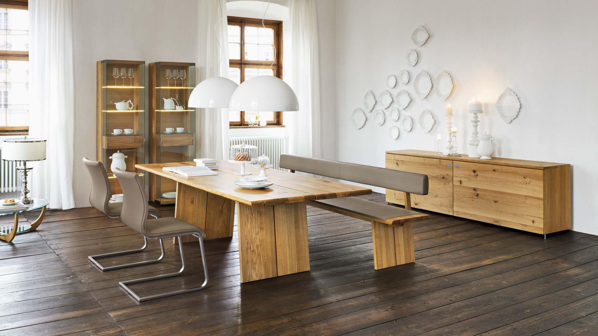 neues von team 7 tisch und vitrinen nox bei tendenza eingetroffen. Black Bedroom Furniture Sets. Home Design Ideas