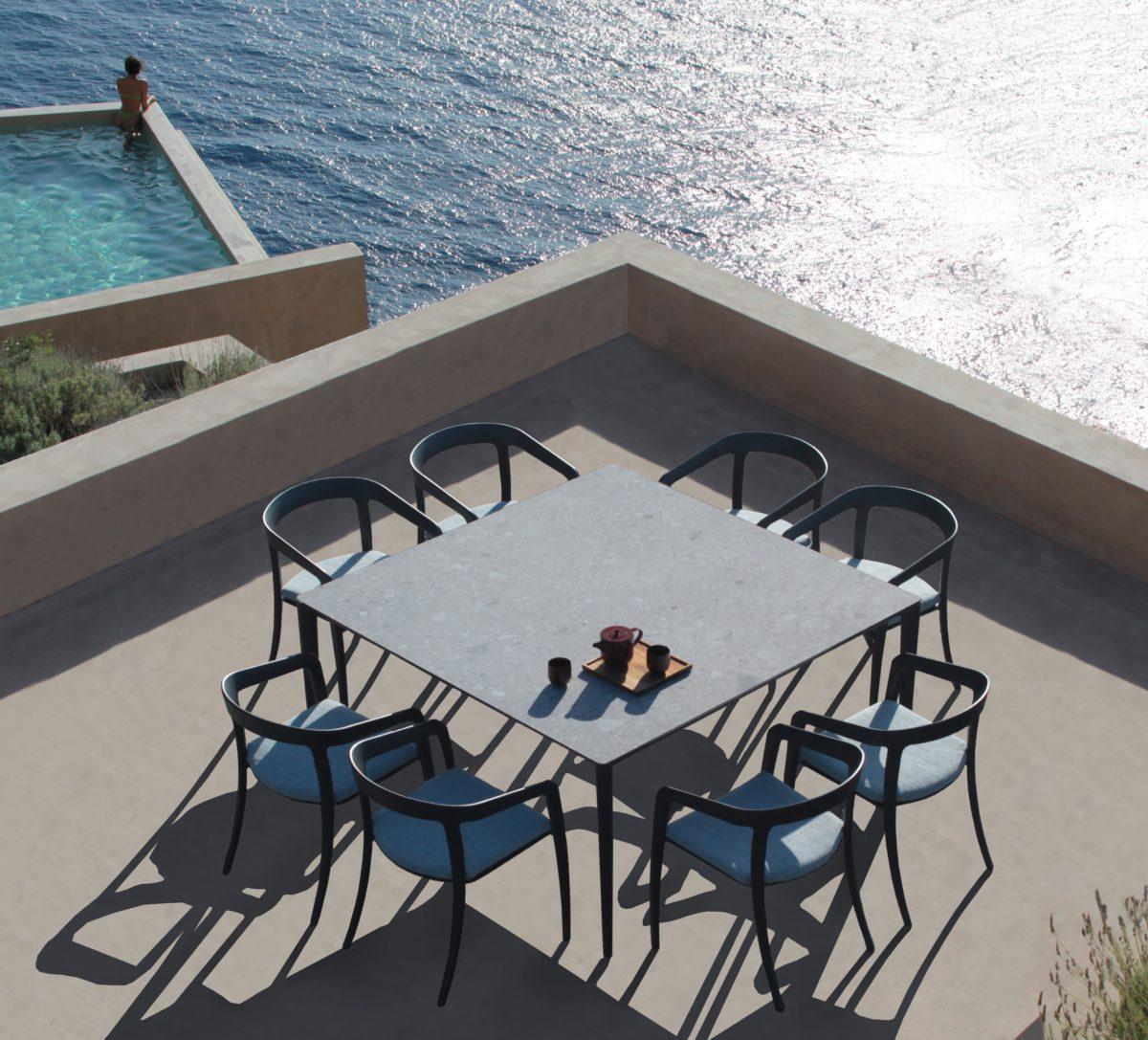U-NITE Outdoor Tisch und LOW Stuhl  Der Firma Royal Botania