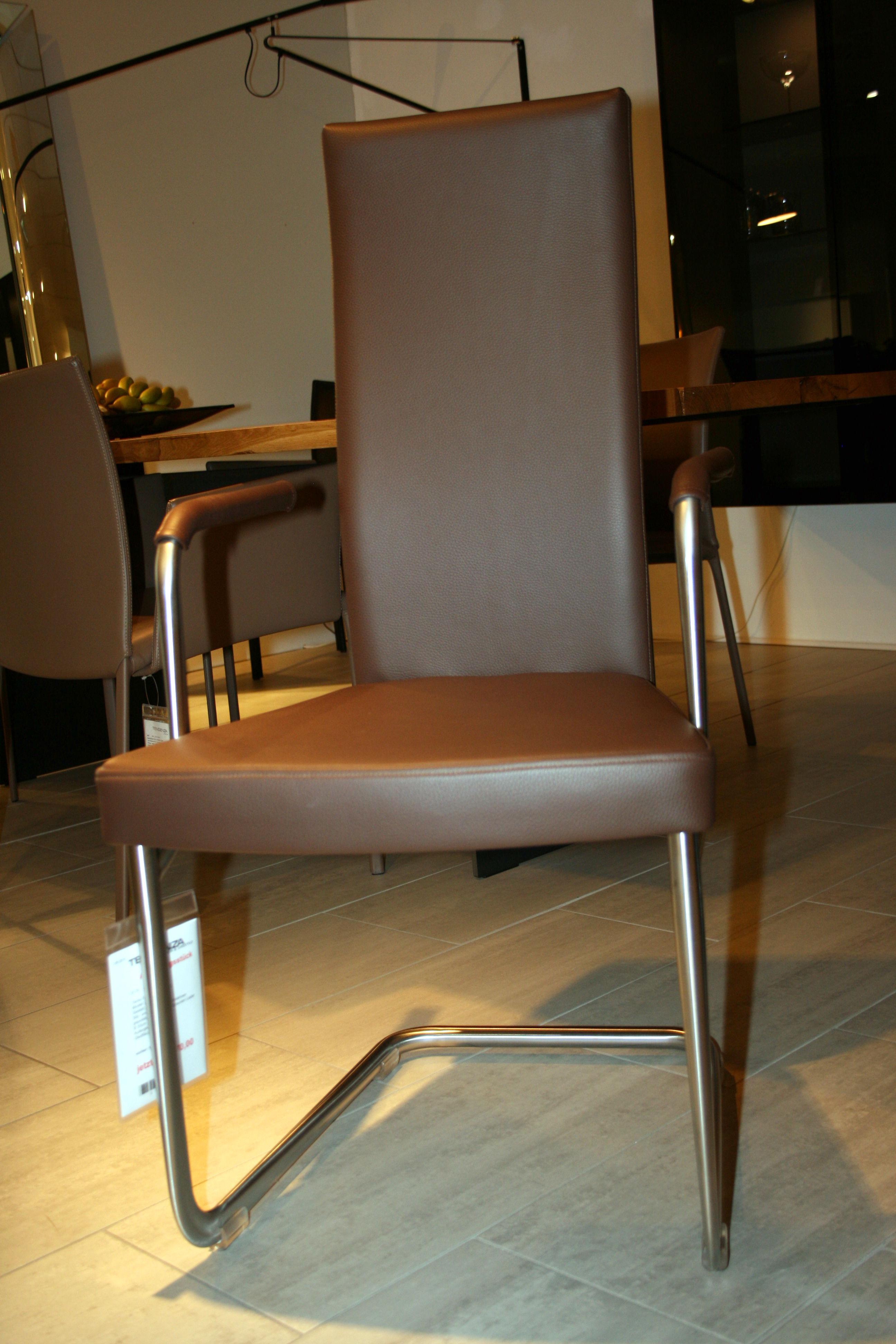 polster kragstuhl von tecta tendenza. Black Bedroom Furniture Sets. Home Design Ideas