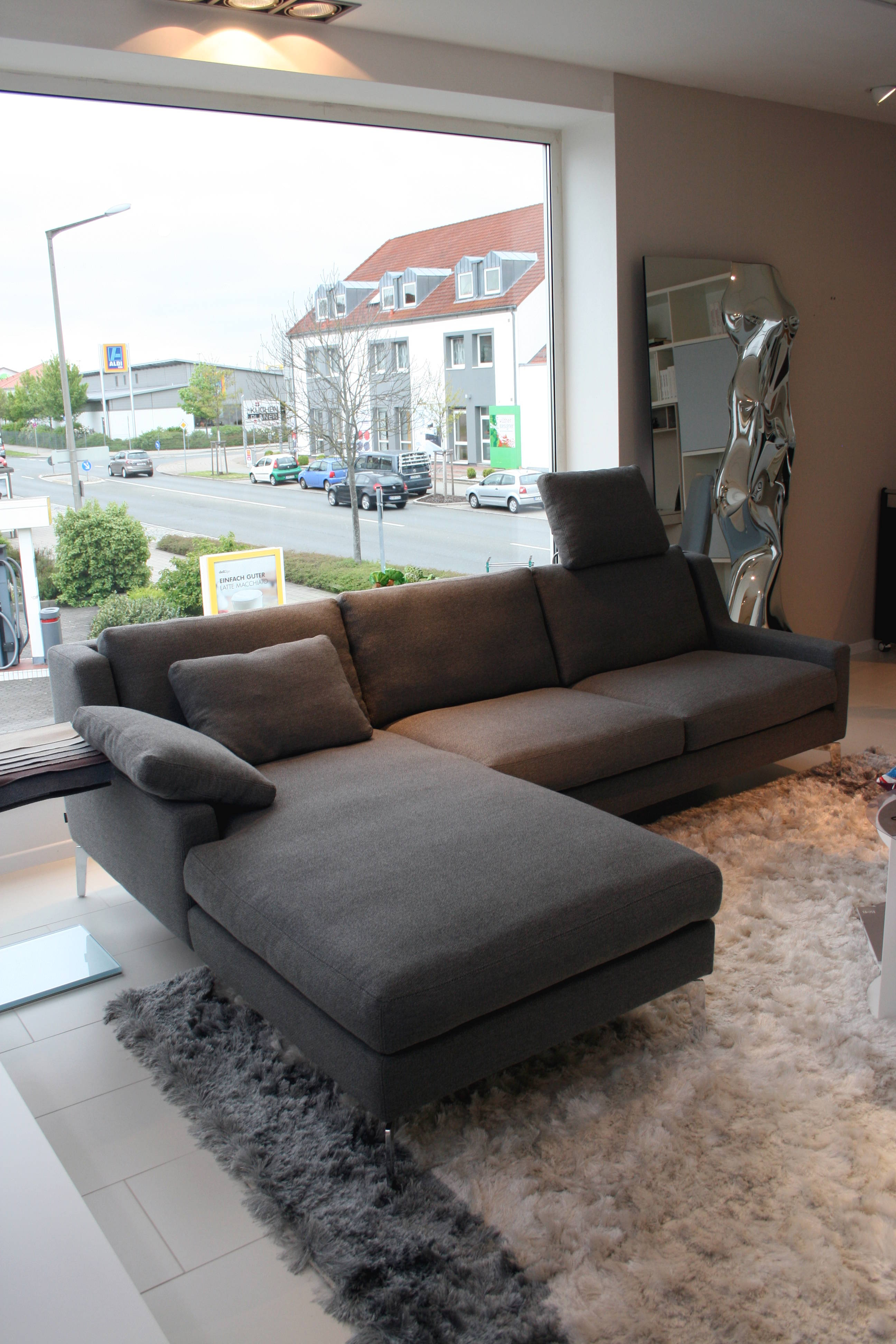 werther. Black Bedroom Furniture Sets. Home Design Ideas